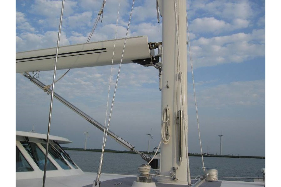 Aluminium mast and Romar Leisure furl in-boom furling boom