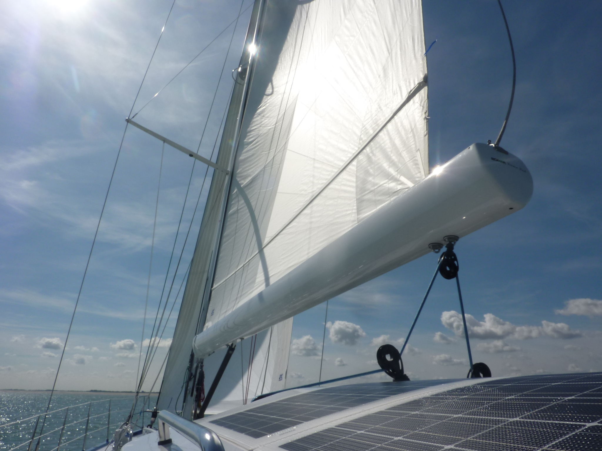 Custom Paradise 60 ft. aluminium Romar Leisure furl furling boom